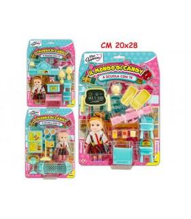 Il Mondo di Candy con Bambola e Accessori Disponibile in 3 modelli